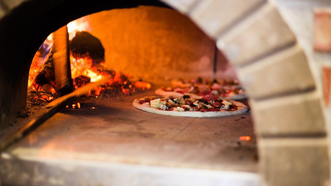 Houtgestookte pizza oven: wat is het en hoe werkt het?